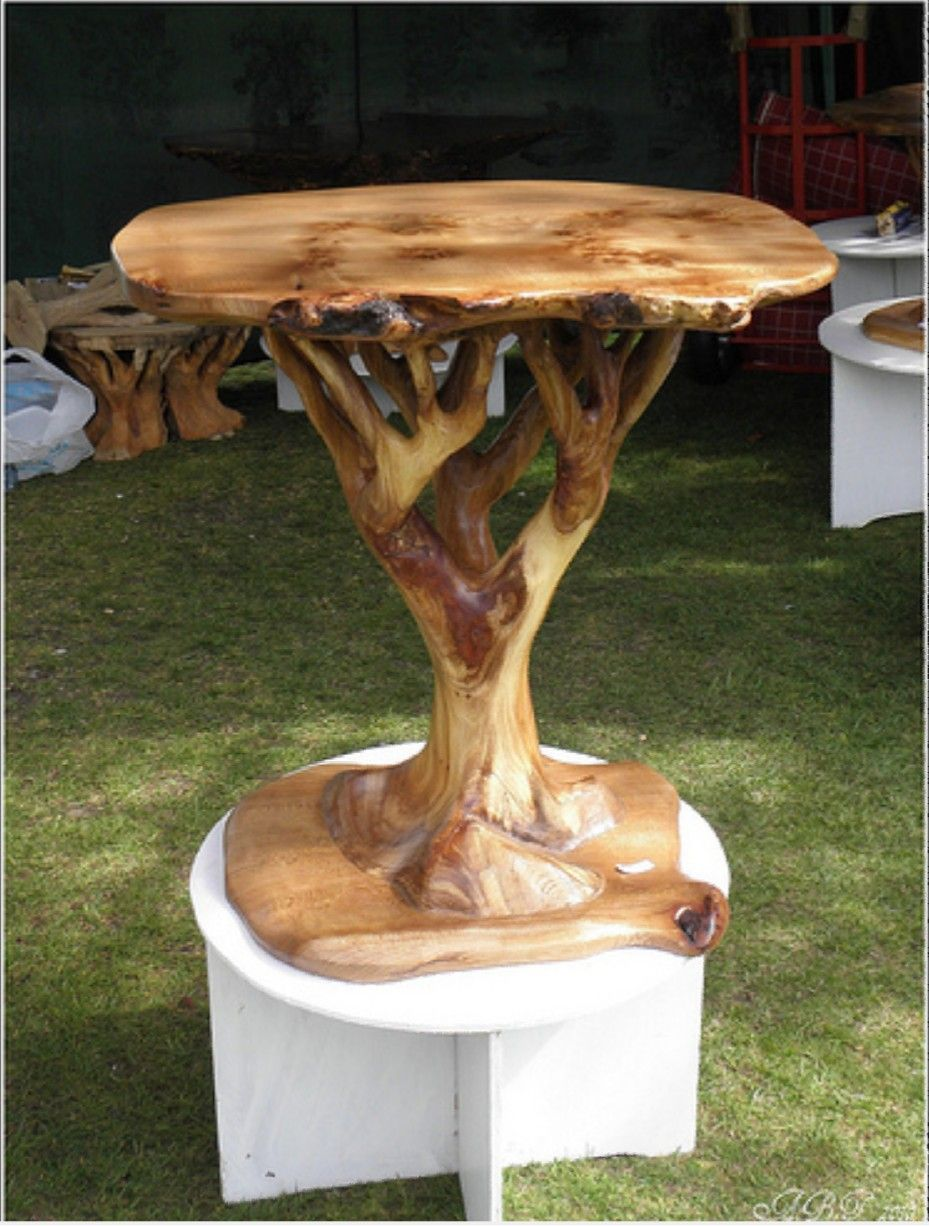 Incredible table made of tree trunk
