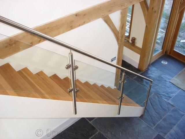 Best Bespoke Staircase Basingstoke With Solid Oak Treads 400 x 300