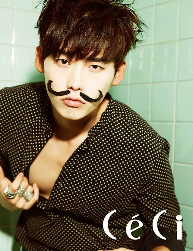Go here for previously released spreads of Lee Jong Seok fromCéCi's October edition.    Sources | CéCi | CéCi on FB