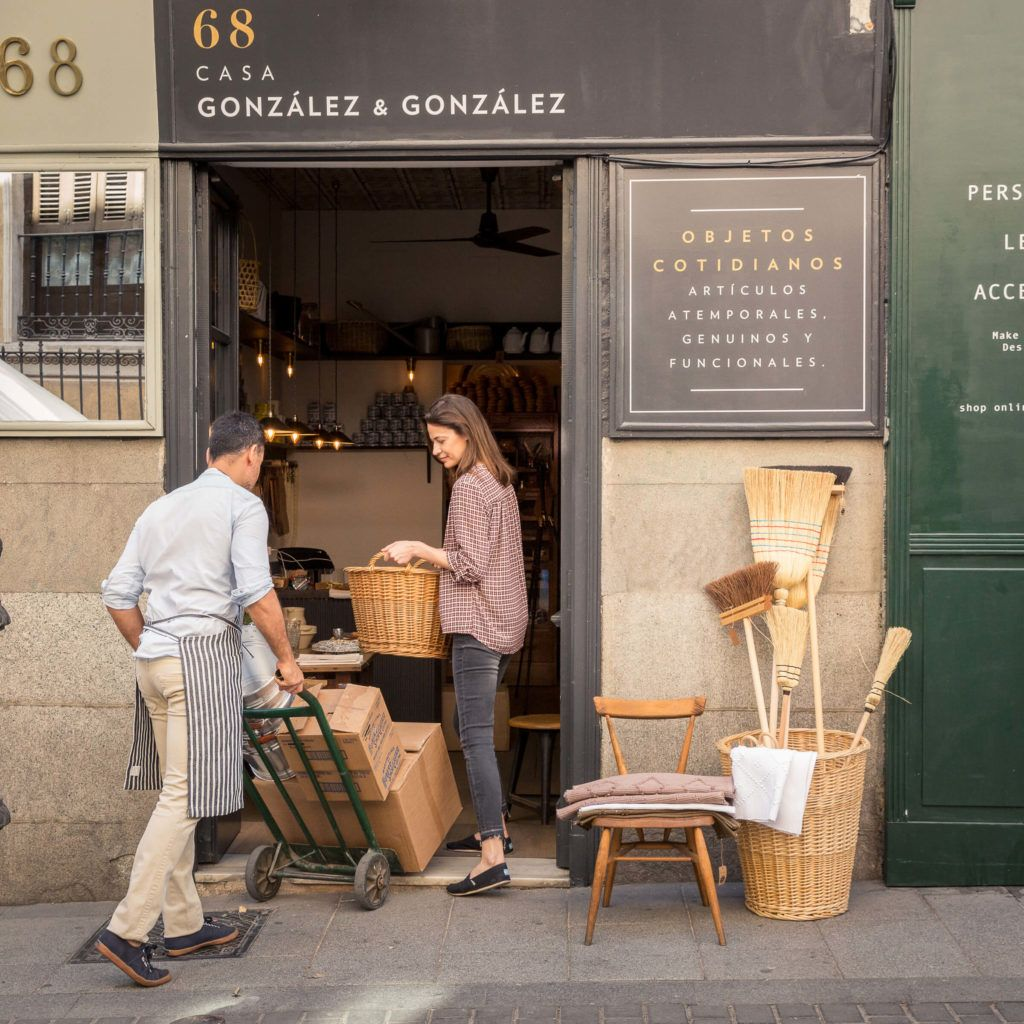 Casa Gonzalez Gonzalez Coffee Shop Design Shop Window Design Cafe Interior