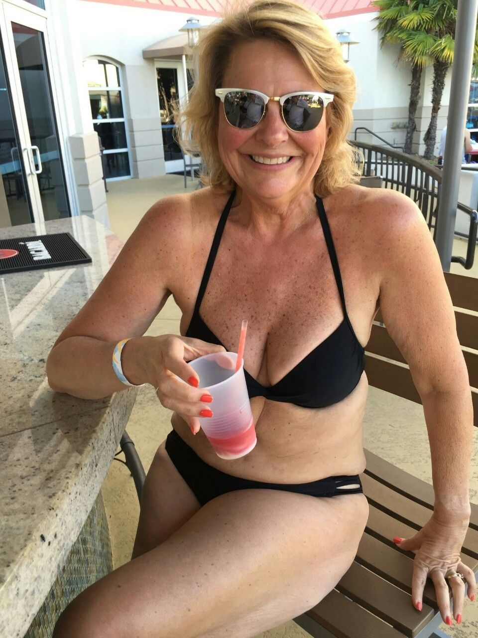 Ordinary moms in swim suits, smack my ass pull my hair
