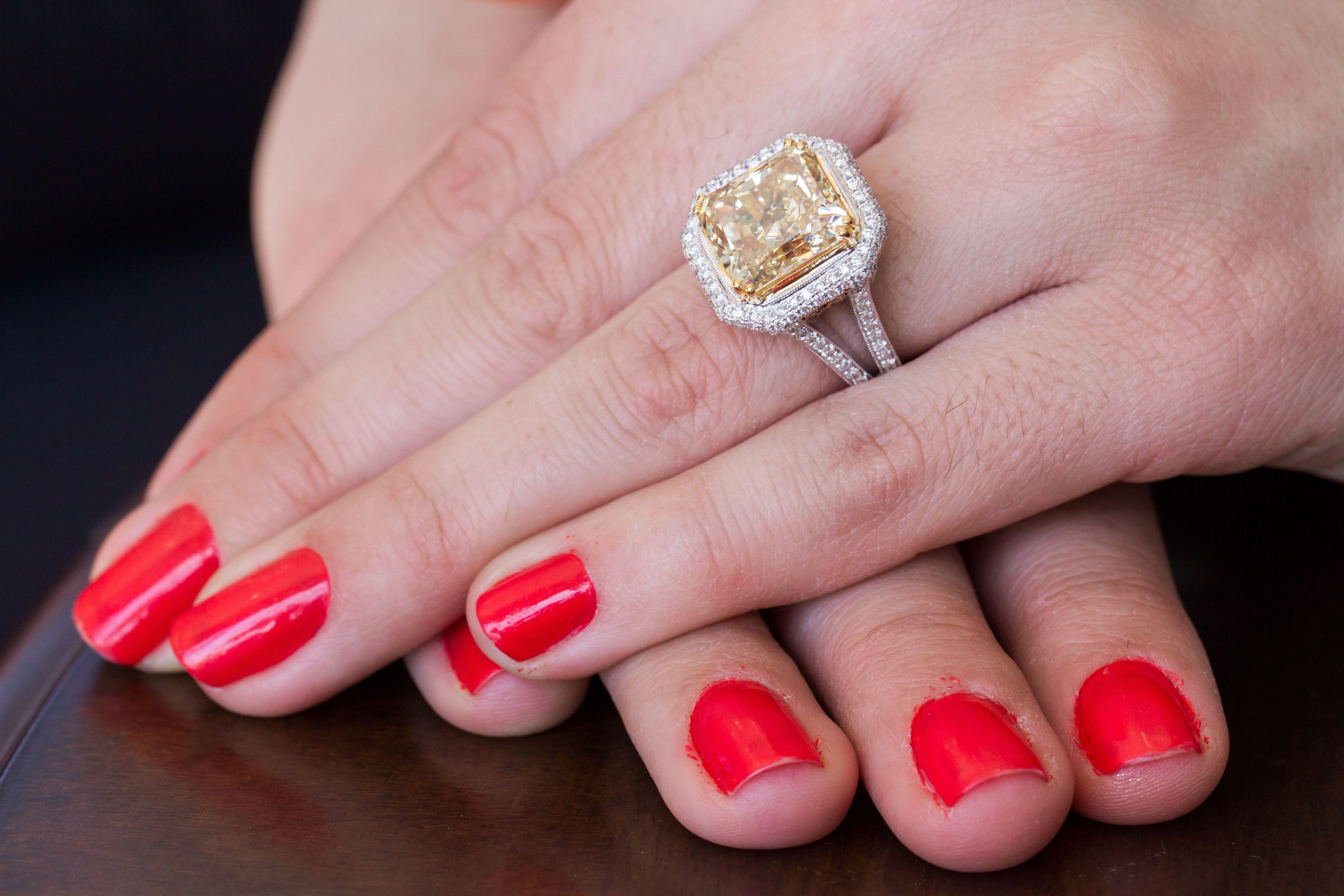 Avianti 18k White Gold Yellow Canary Diamond Ring, http://blog ...