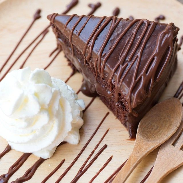 "@chocolategrid's photo: ""- Slice of a Double Chocolate Cake with Chocolate Fudge Sauce on Top!  Tag a Cake Lover!"""