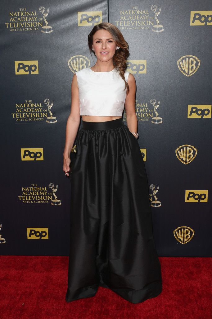 Elizabeth Hendrickson at the Emmy Awards   Red carpet gowns, Red ...