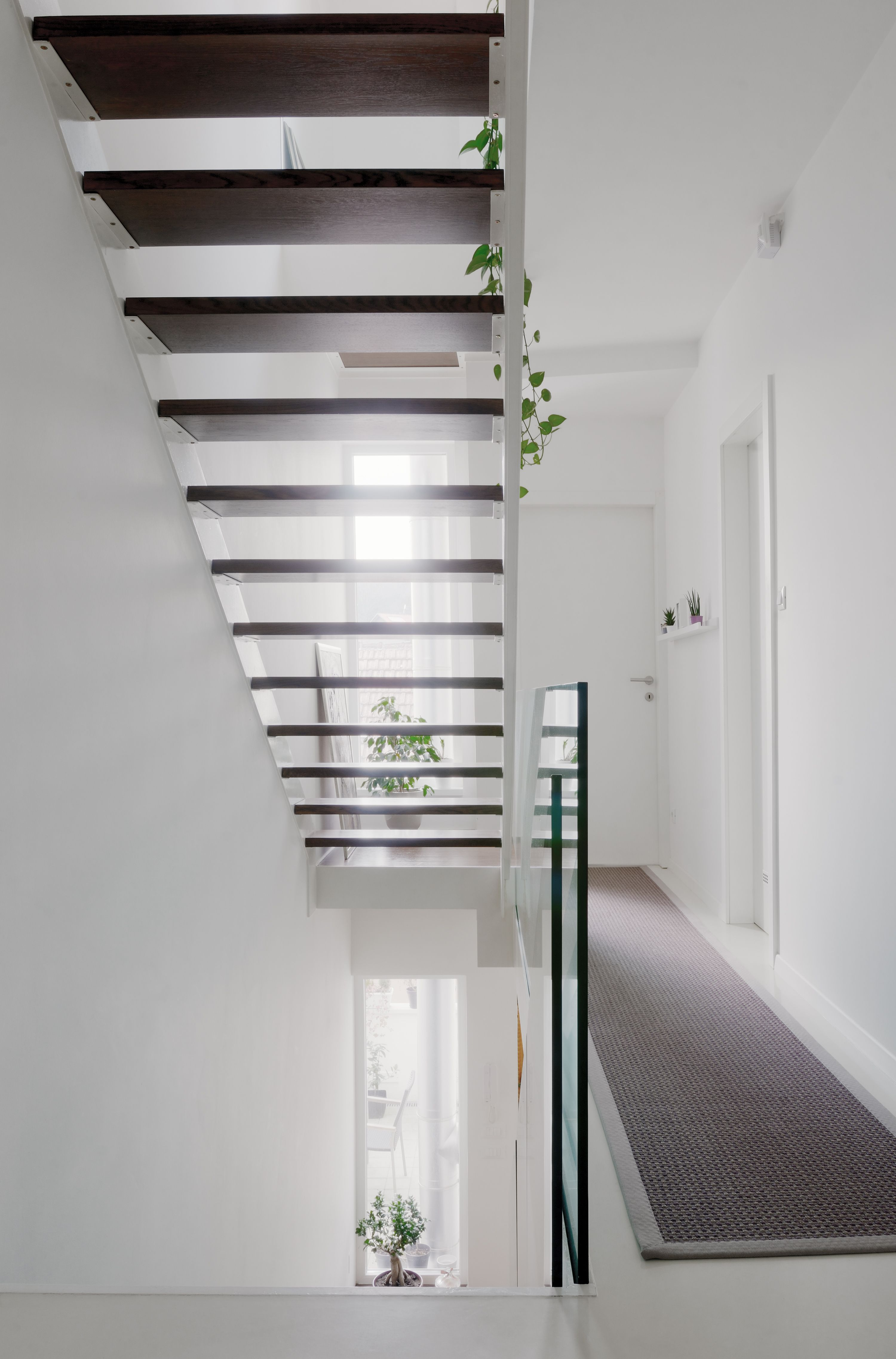 An example of using a glass balustrade in a bright