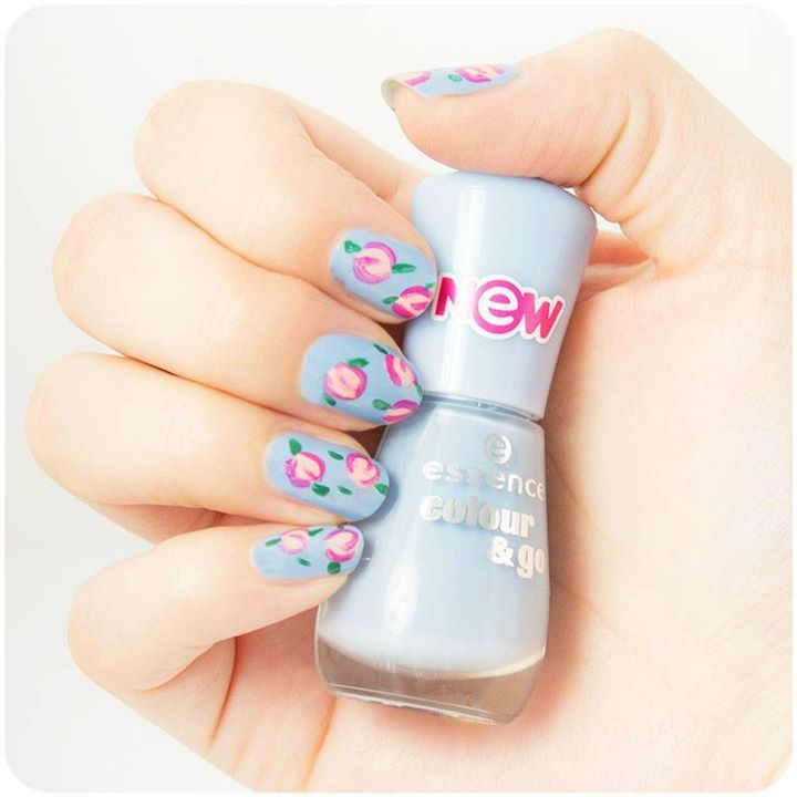hi beauties, create this cute vintage floral #nailart with the colour& go #nailpolishes 158, 179, 167, 107 and the nail art duo stylist. what are you wearing on your nails right now? #manimonday
