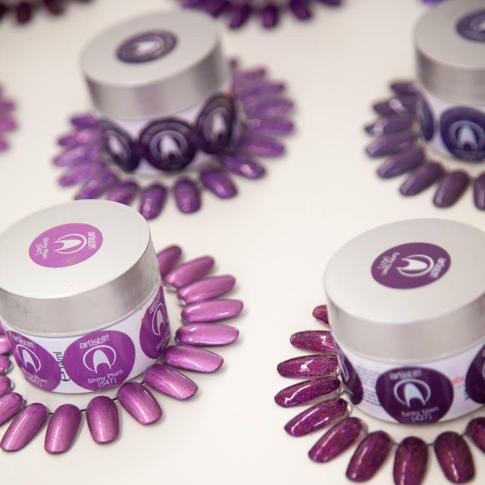 #gele #nails #shiny #plum #lila #violette