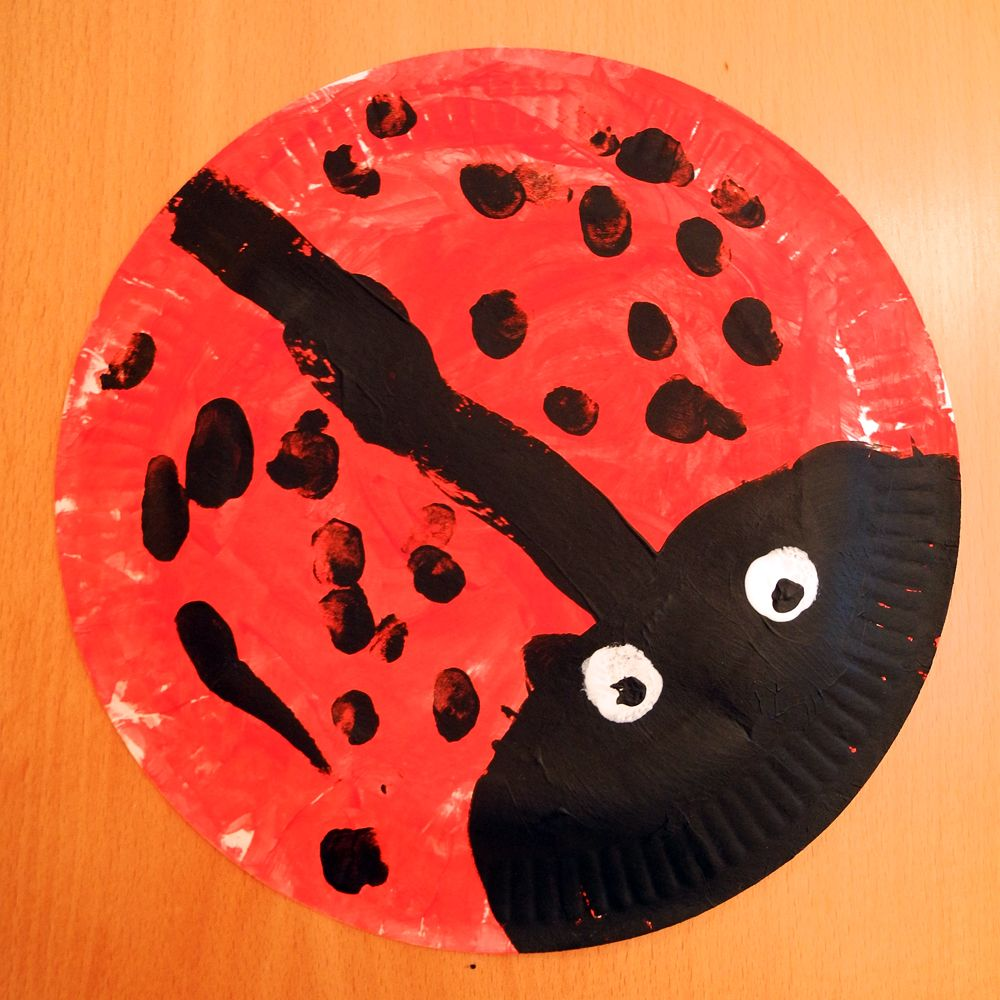 pappteller marienk fer ladybug basteln krippe pinterest pappteller marienk fer und. Black Bedroom Furniture Sets. Home Design Ideas