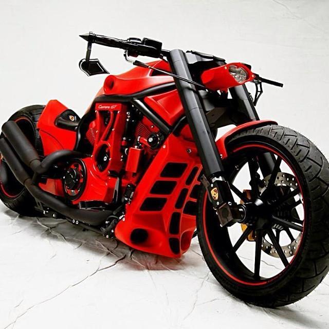 Harley Davidson V-Rod Custom Red Is Not My Favorite Color