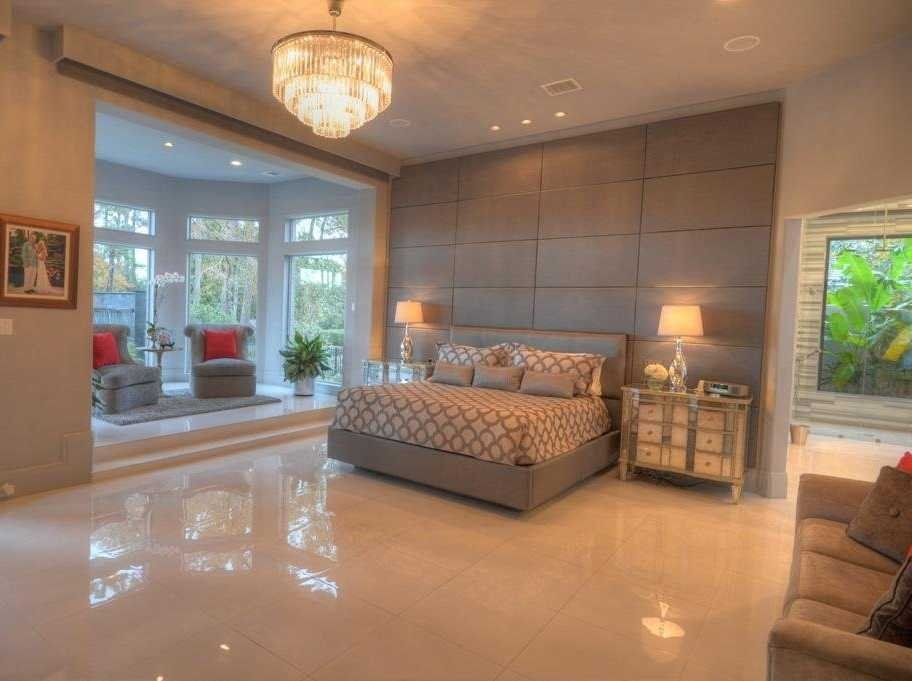 Best See Inside The Houston Home With The Largest Closet In 400 x 300
