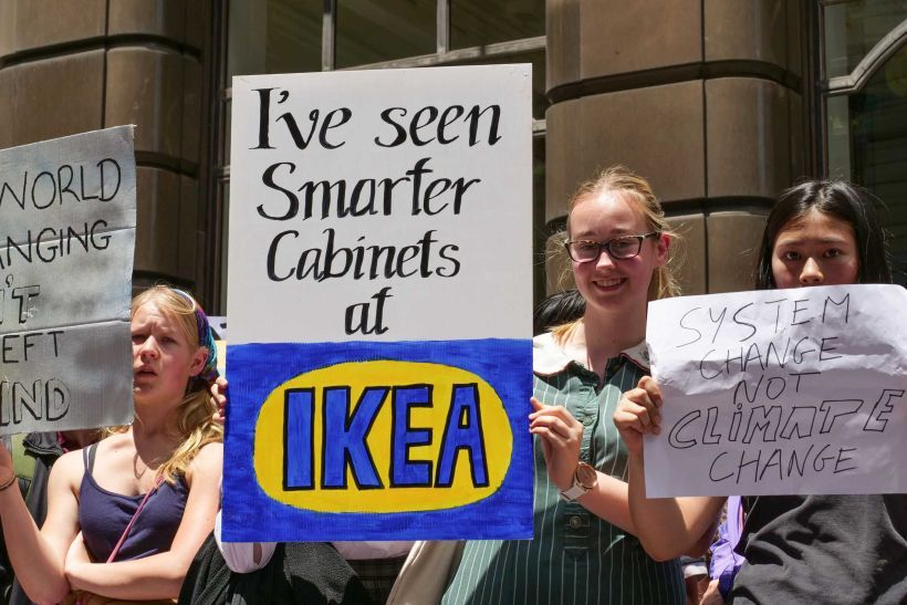 I Ve Seen Smarter Cabinets At Ikea Striking Students Rally For Climate Climate Change Poster Protest Signs Global Warming Quotes