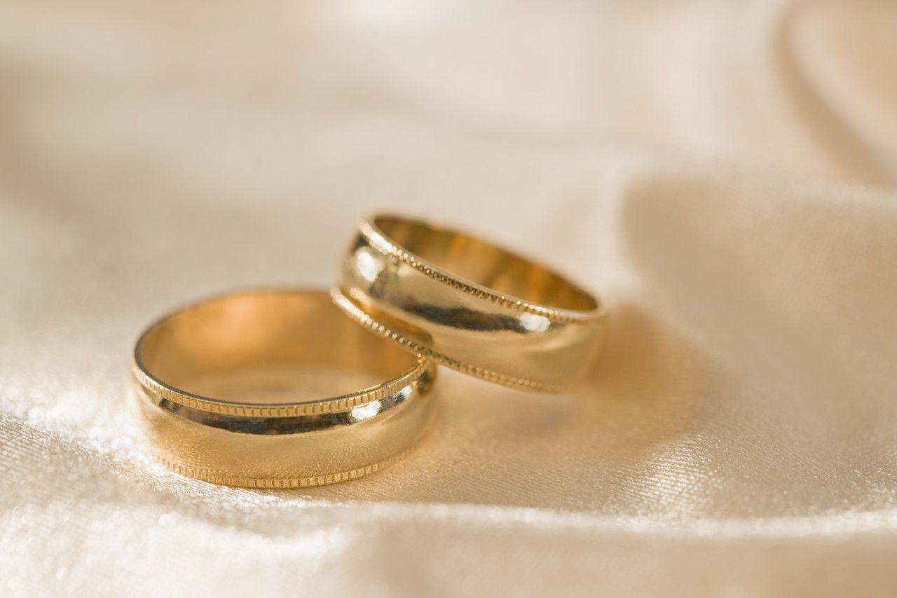 Wedding Ring Couple Gold Wedding Rings For Couples Wedding Rings For Couples With Names Engrav Cool Wedding Rings Favorite Engagement Rings Gold Wedding Rings