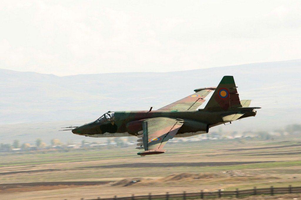 Resultado de imagem para su-25 armenia