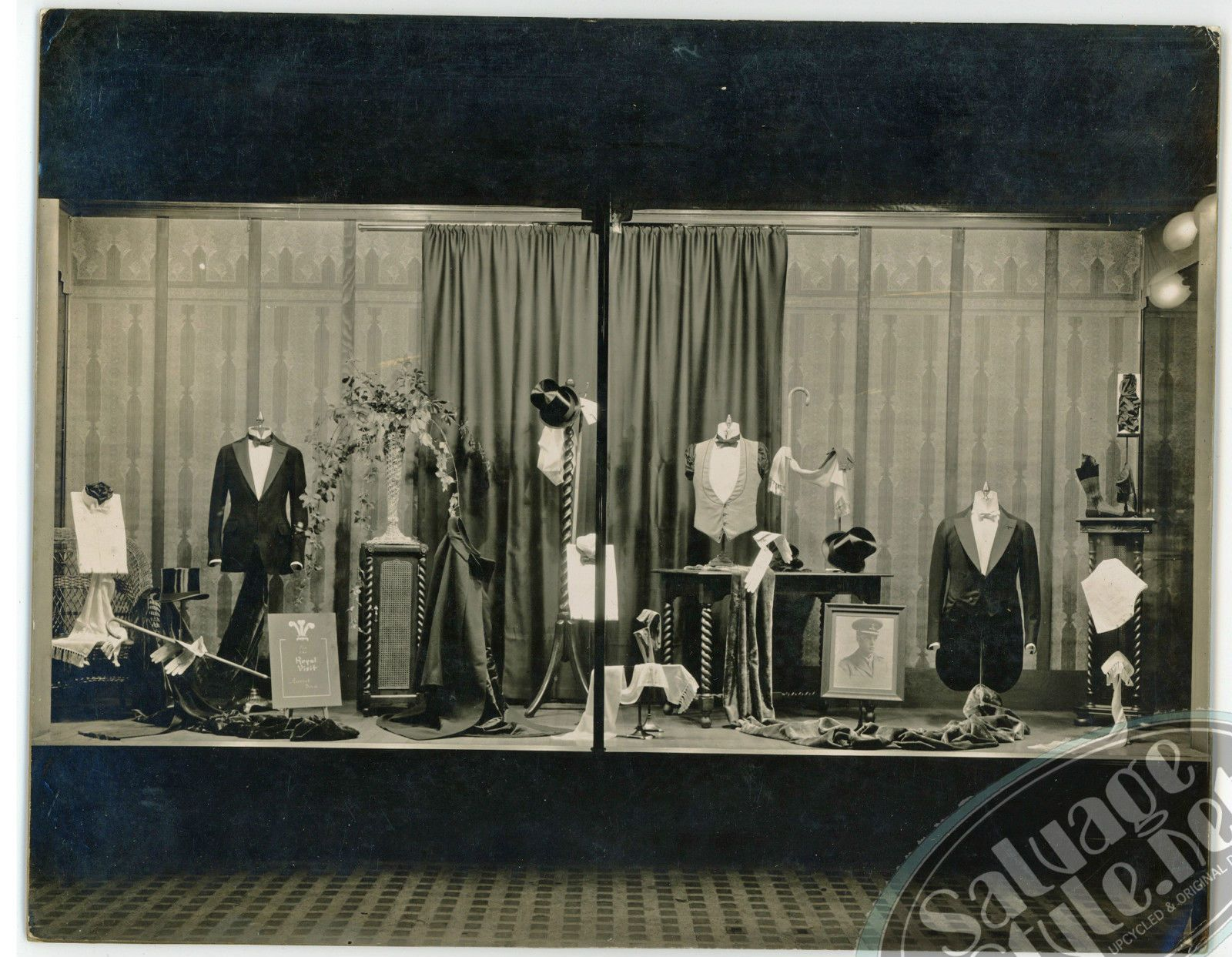 Amazing Photo From A 1920 S Men S Fashion Window Display