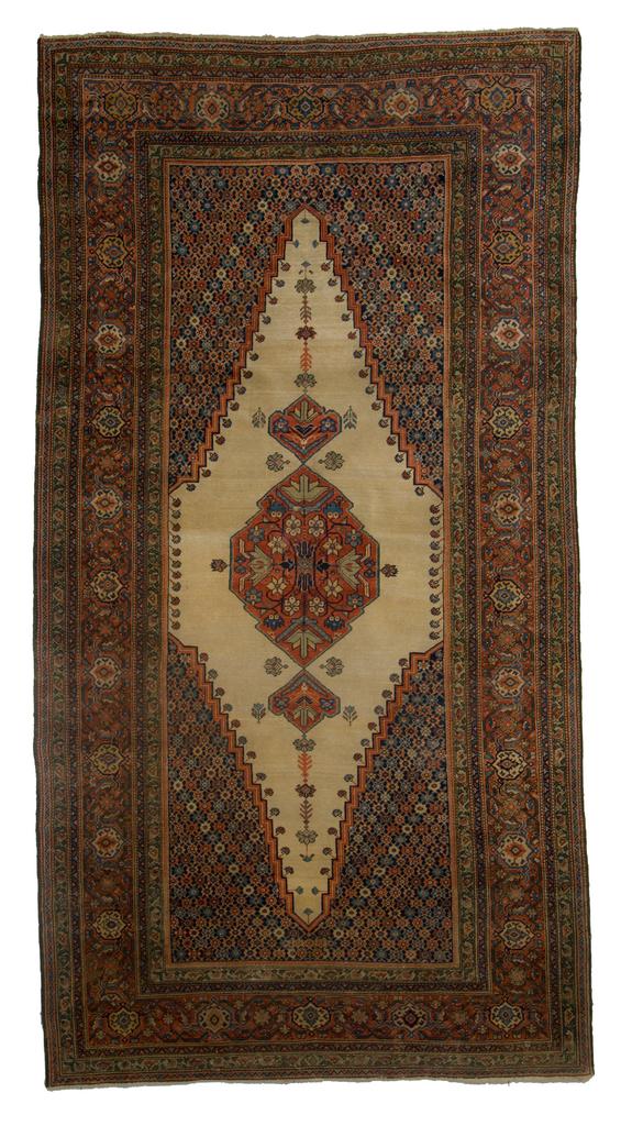 MOSHE TABIBNIA . Collezione . Tappeti, arazzi e tessuti d'alta epoca  Ferahan , Persia occidentale XIX sec. , II metà Tappeto annodato in lana 288 x 155 cm Inv. n.: 180454