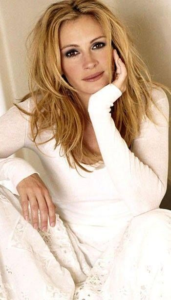 Julia Roberts ** stll one of the most beautiful woman in the world!!! Love her!