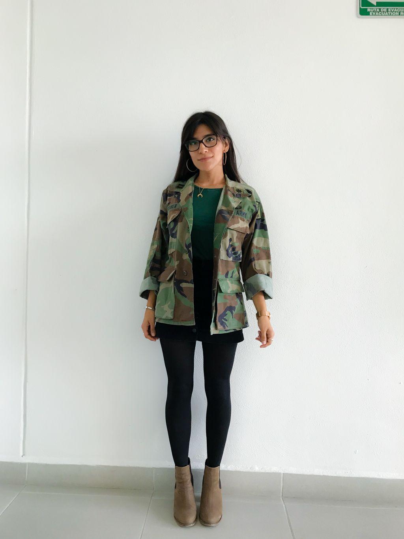 Outfit con botas verde oscuras | Botas verde oscuras, Botas