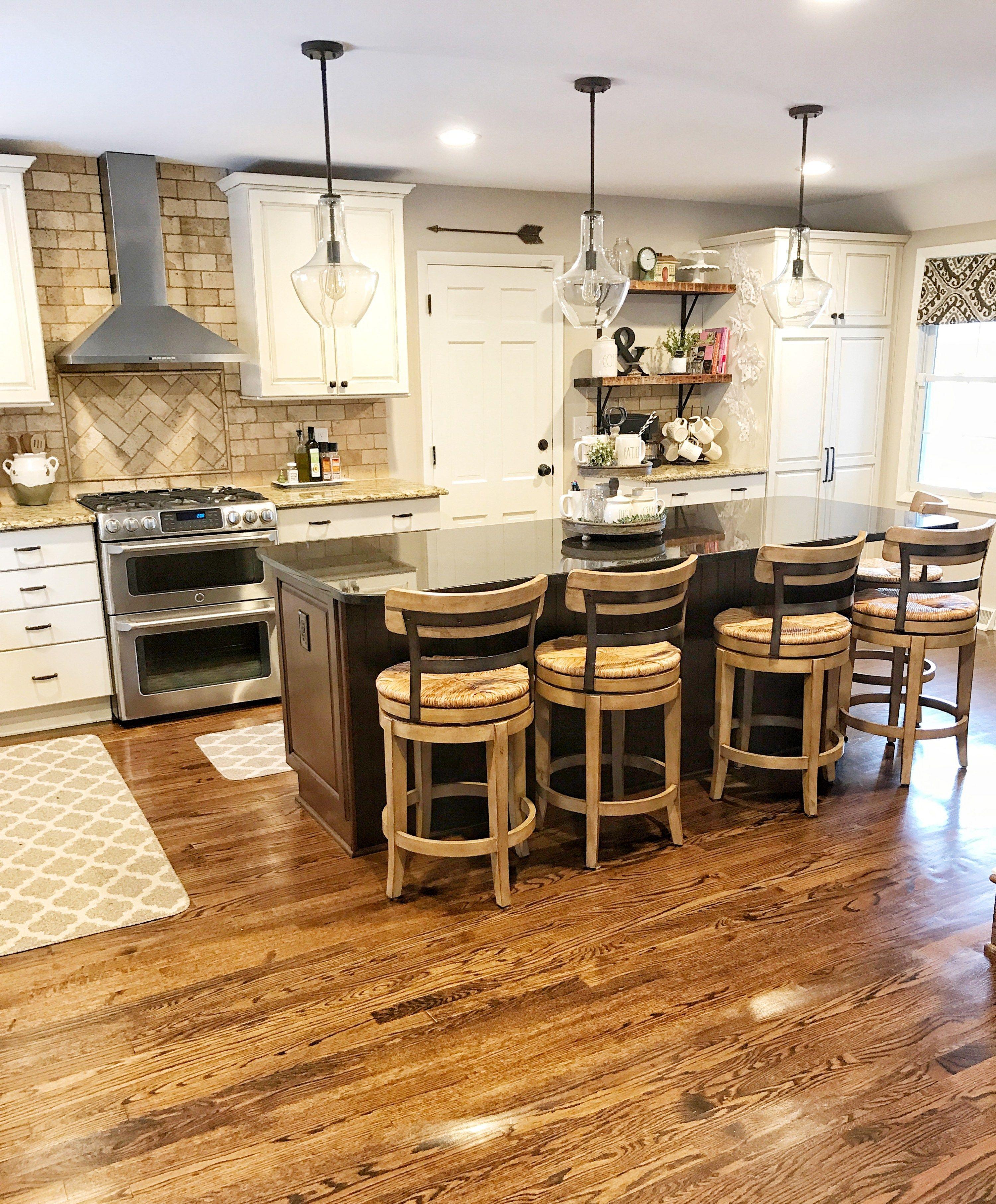 Fixer Upper Kitchen Remodel + 7 Farmhouse Decor Must Haves