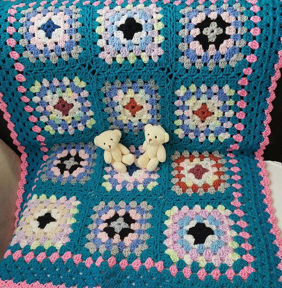 Baby crochet blanket. Baby Shower Gift. Bright colors baby crochet blanket. Granny square crochet blanket. Baby Girl crochet blanket.