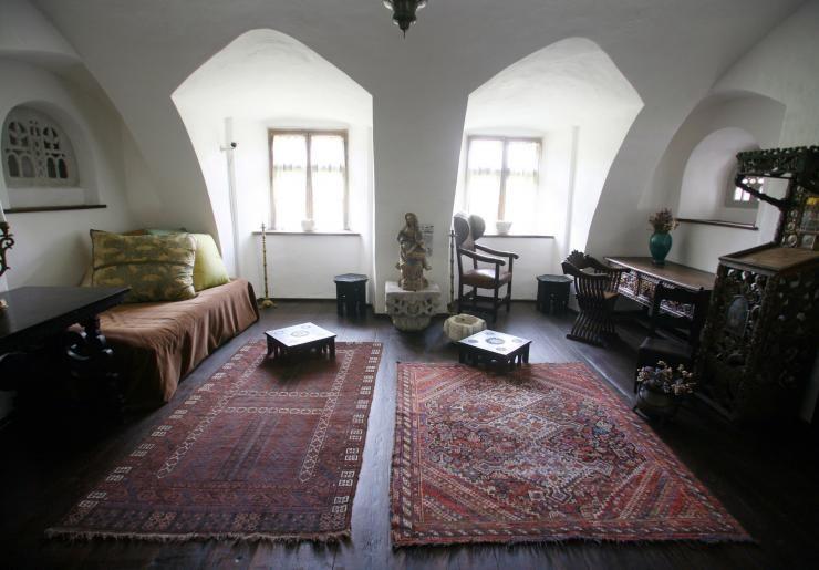 Take A Photo Tour Inside Romaniau0027s Bran Castle, Nicknamed U201cDraculau0027s Castle,u201d  In