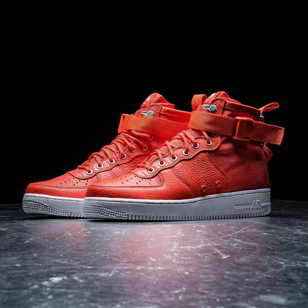 Nike SF AF1 'Team Orange'