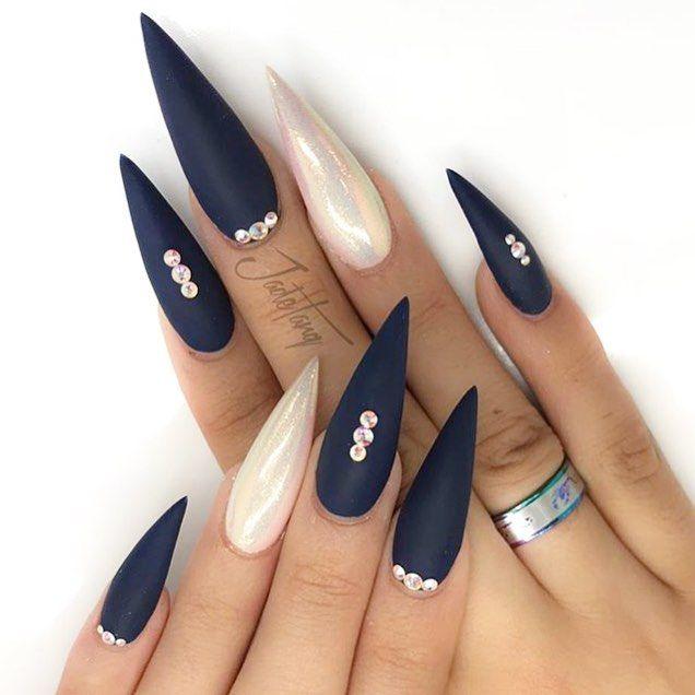 "3,022 Likes, 17 Comments - #NAILSMAGAZINE (@nailsmagazine) on Instagram: ""#matte #nails for #mani Monday by @jadetangtheartist #nailsmagazine"""