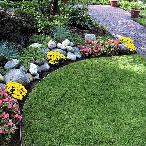 Steel lawn edging permaloc aluminum landscape edging for Garden sectioning ideas