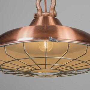 Lámpara colgante STRIJP cobre - Lámpara resistente de estilo industrial, con detalles como una gran anilla que sujeta la pantalla y una rejilla de metal en la parte inferior. clique sobre la imagen y vea más info de este objeto.