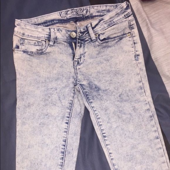 PacSun Bullhead Acid Wash Jeans Skinny jeans. Size 1 translates to a size 25. Acid wash. In really good condition. PacSun Jeans Skinny