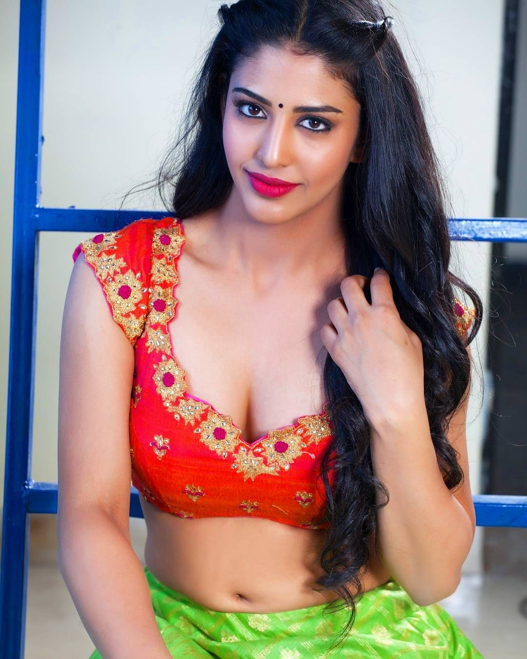 Sexy hot indian girls photo