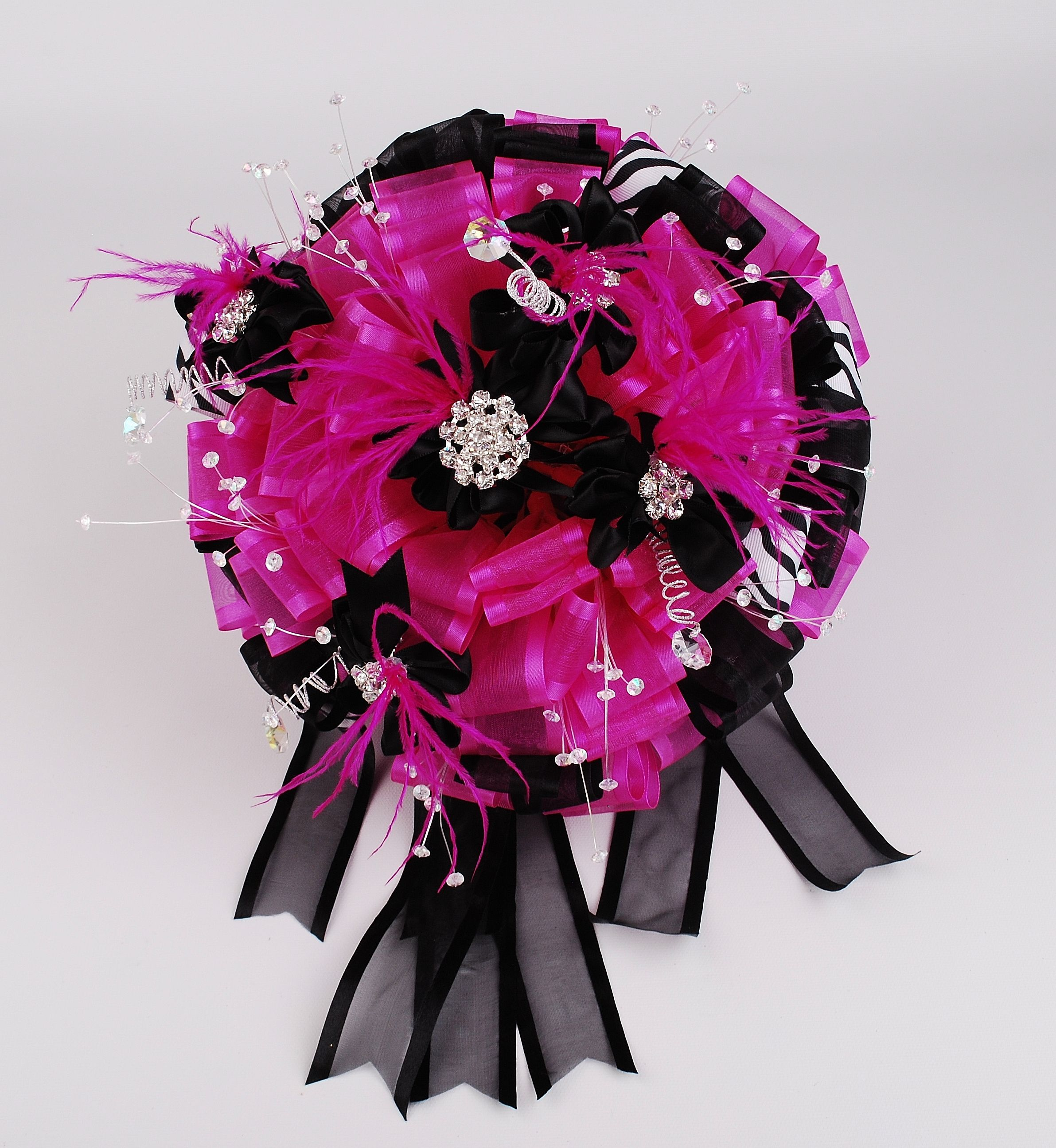 Lovely pink and black flower bouquet misquince misXV