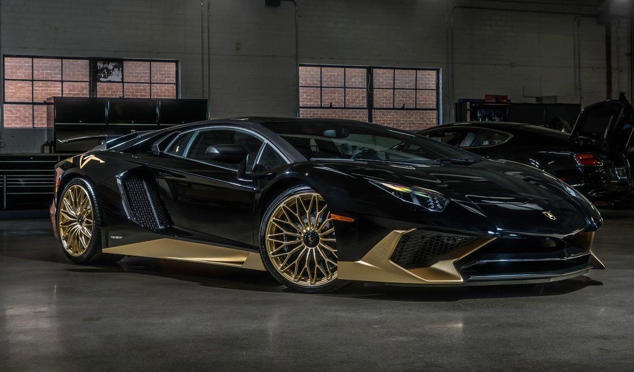 Magnifico Lamborghini Aventador Sv Modificado Por Ad Personam