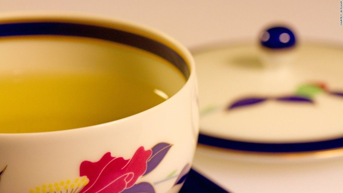 Photo of Drinking green tea, rather than black, may help you live longer, new study suggests