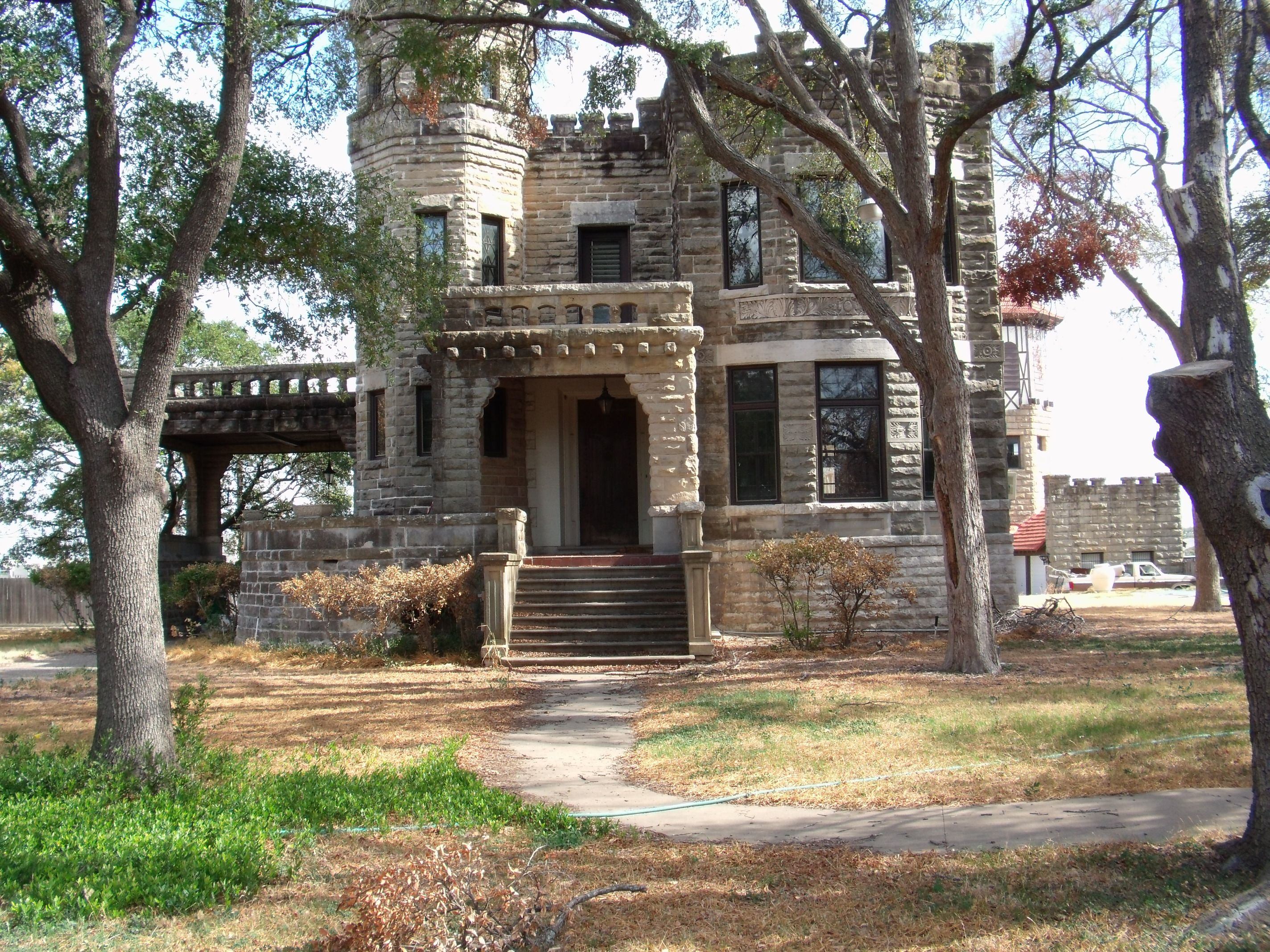 Real Castles In Texas Waco Tx Real Estate John Derrick