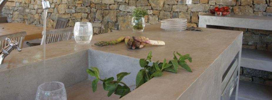 Cuisine d\u0027extérieur en béton ciré (cuisine d\u0027été), terrasses et