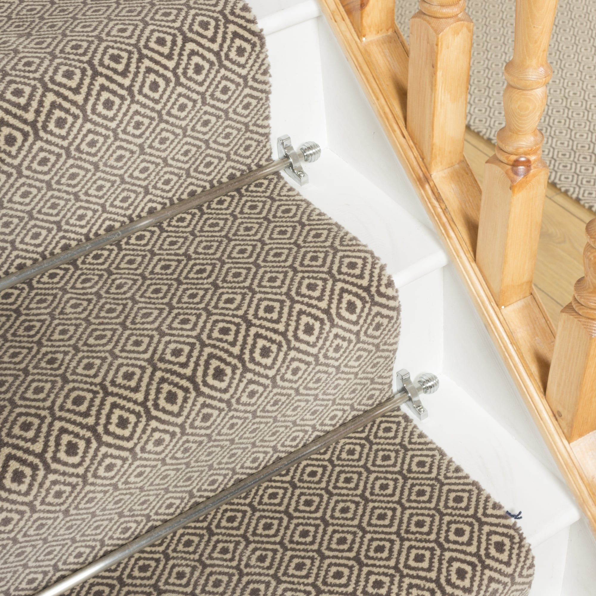 Best Quirky Tess Gray 7001 Stair Runner In 2019 Hallway 400 x 300