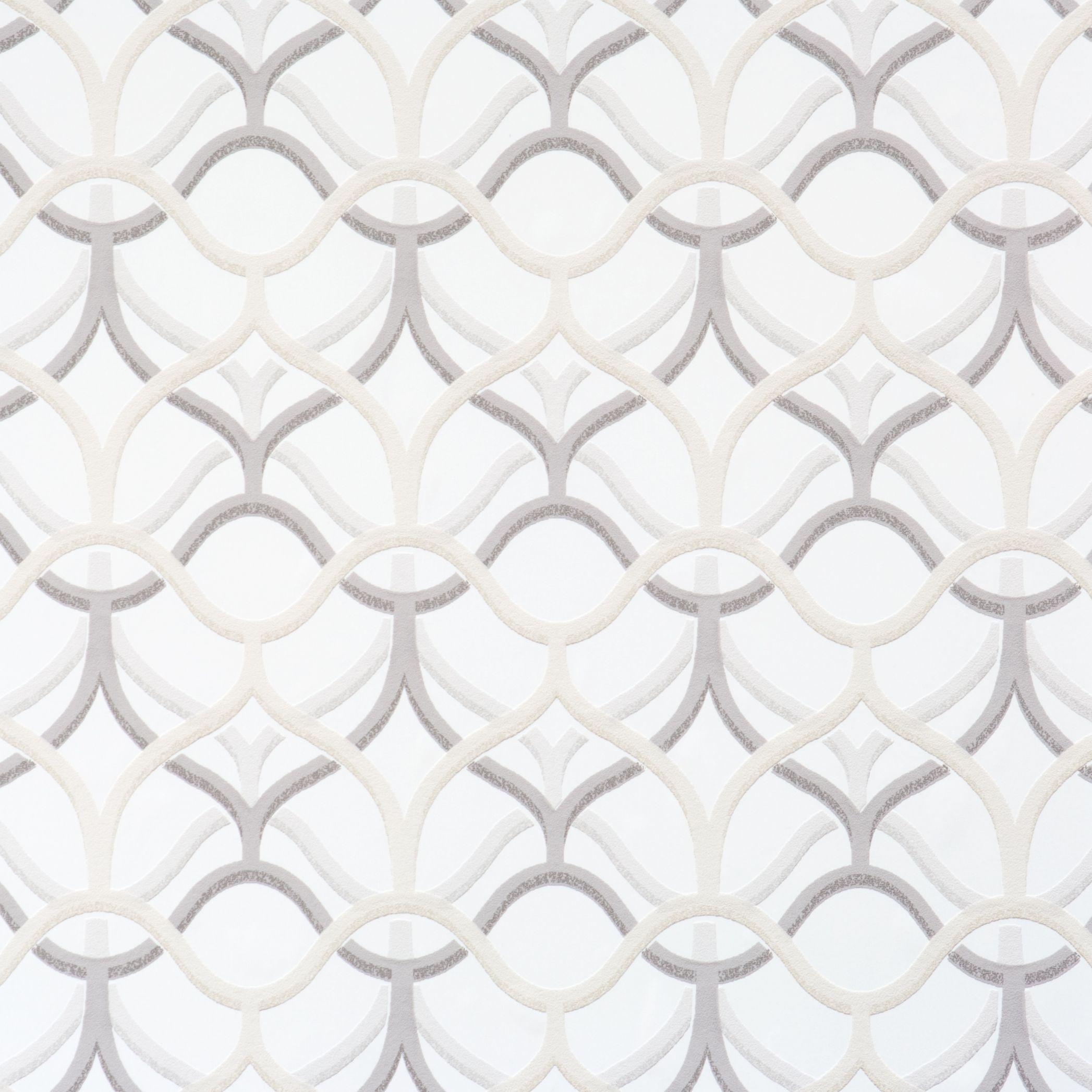 Rising Quatrefoils, White & Grey Geometric Wallpaper by