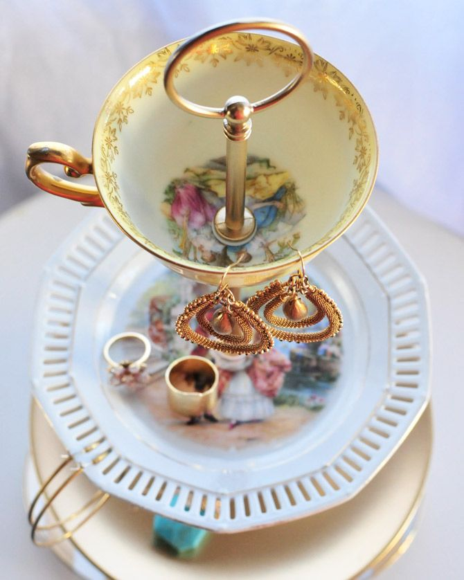 DIY vintage cup and plate jewelry stand. So easy to do and such a pretty way to store rings. & Love this. DIY vintage cup and plate jewelry stand. So easy to do ...