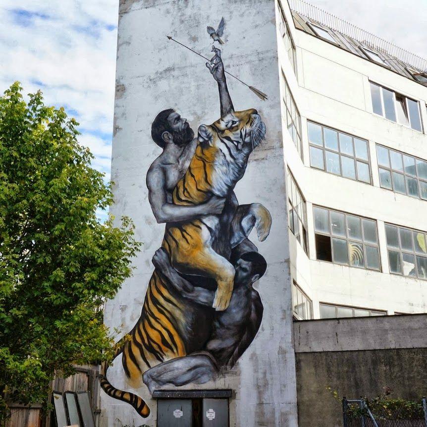Arte callejero en fachada de edificación en Vienna, Austria, realizado por el artista dominicano Evoca1.