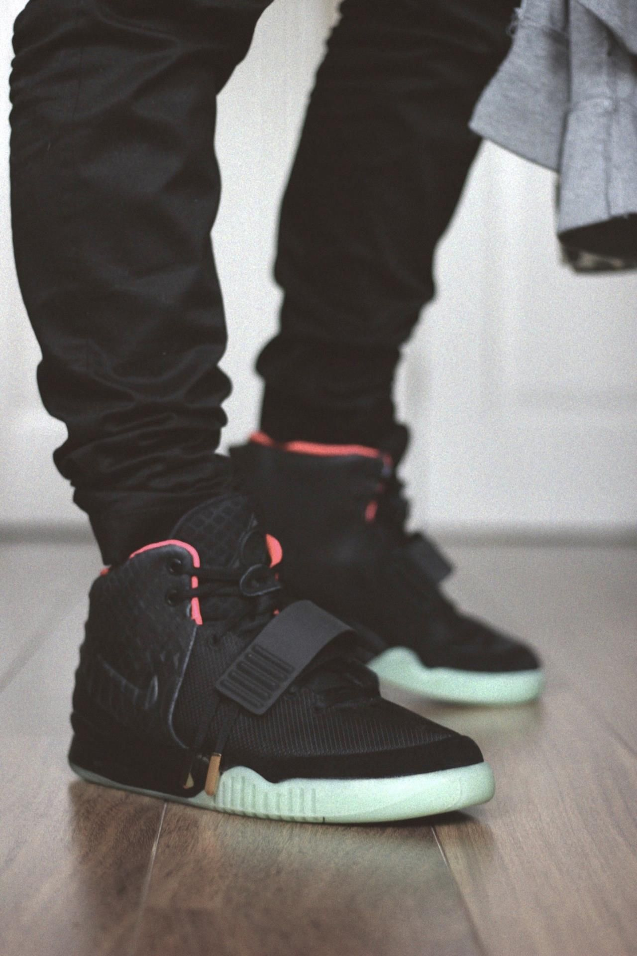 How to spot fake Nike Air Yeezy 2 in 35 steps | Zapatillas ...