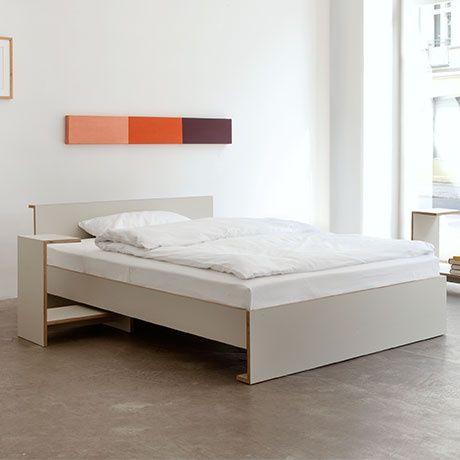 Ruelle Plus Bed - 140x200 cm by Martin Holzapfel MONOQI