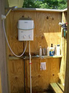 Outdoor Shower The Water Heater Is An Eccotemp L5 Works Like A Charm Unlimited Hot Water 40 Hours Worth On A 20 Lb Propane T Outdoor Bathrooms Outdoor Baths Outside Showers