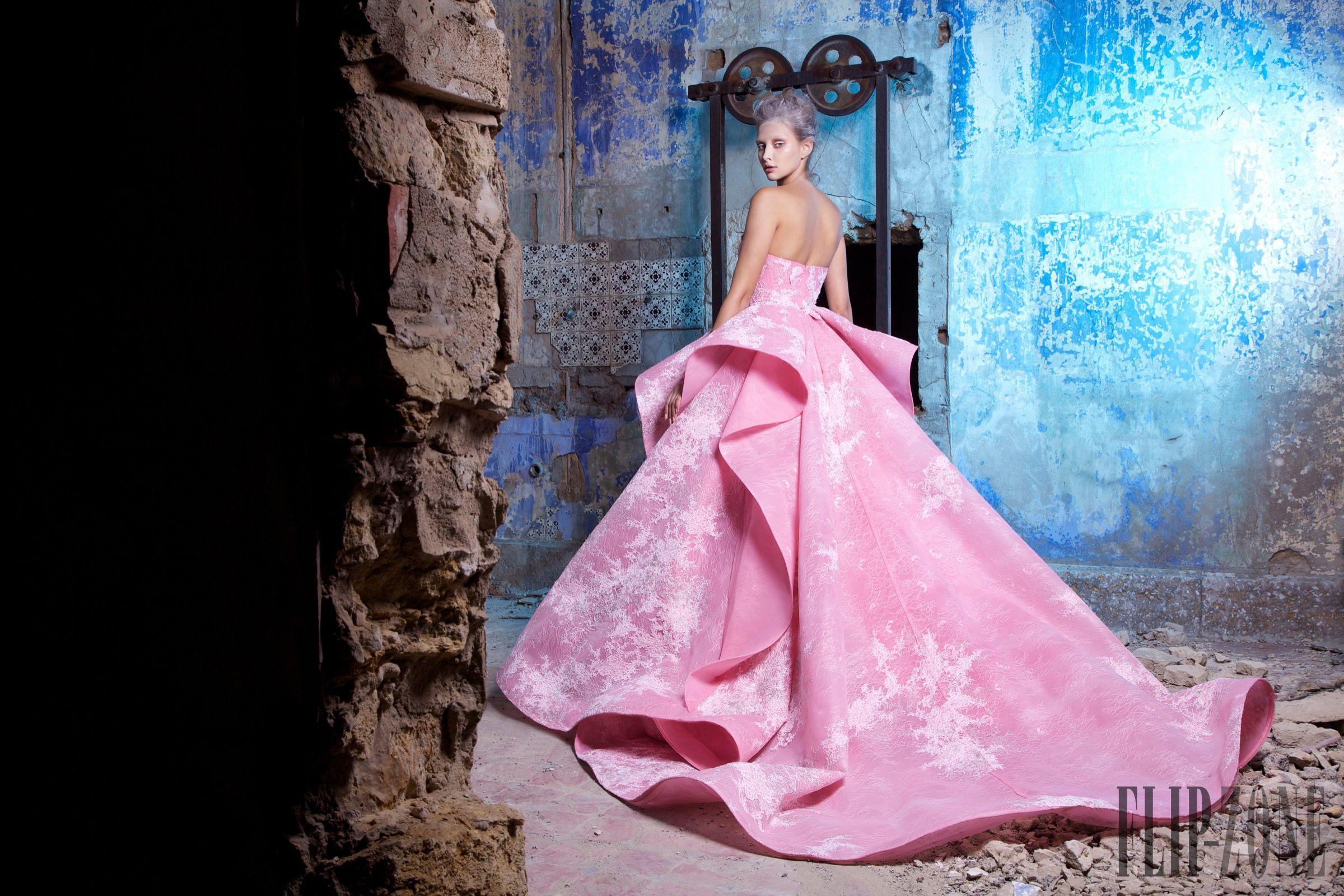 Saiid Kobeisy Automne-hiver 2016-2017 - Haute couture - http://fr.orientpalms.com/Saiid-Kobeisy-6307