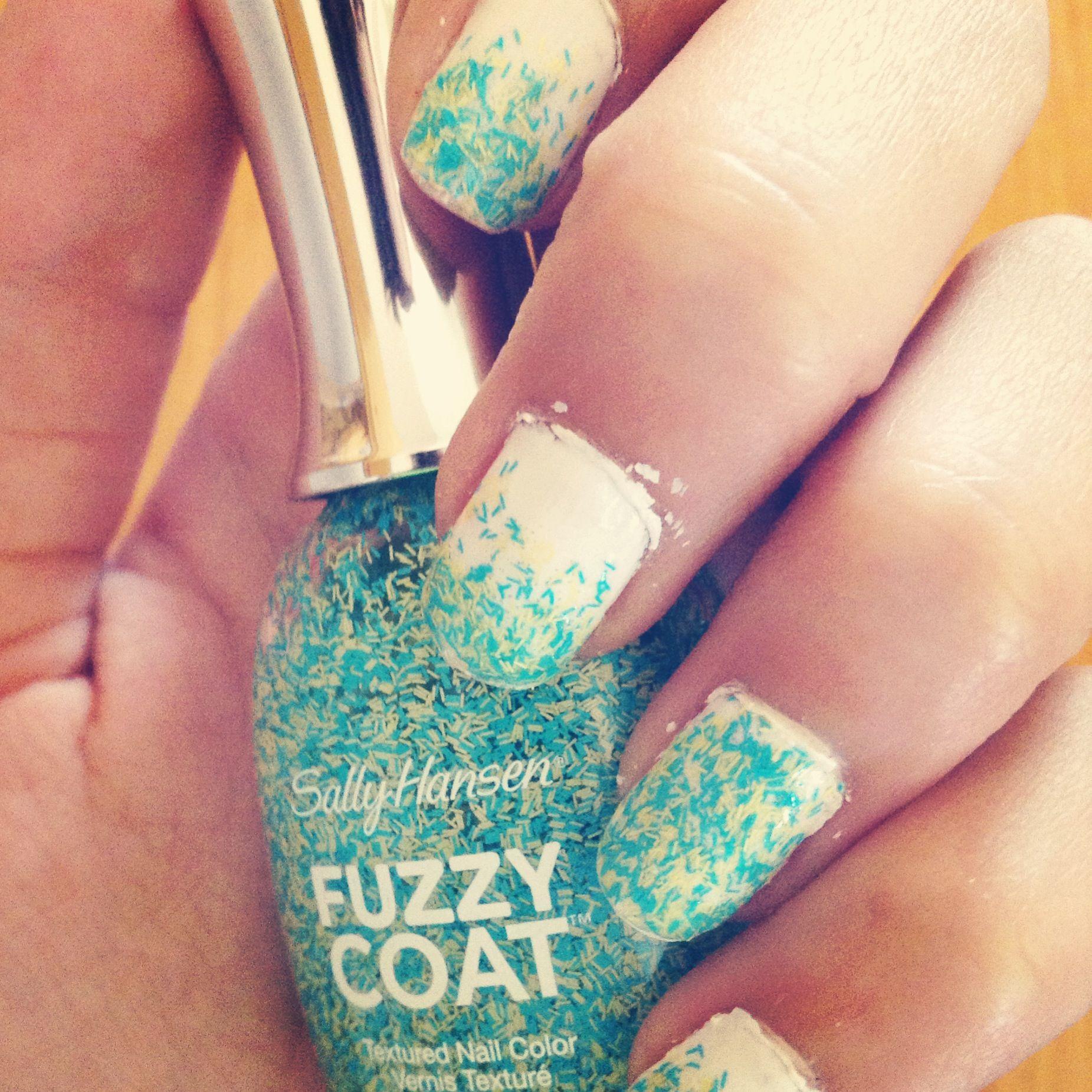 Sally Hansen fuzzy coat / white ombre <3 | Nails | Pinterest | Coats ...