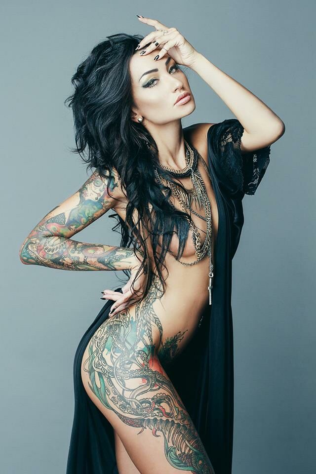 young-little-beautiful-woman-with-tattoos-naked-cyrus-orgasm-naked