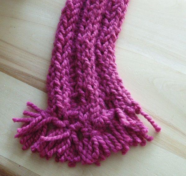Bufanda hecha con la unión de 3 tiras tejidas con los dedos | Para ...