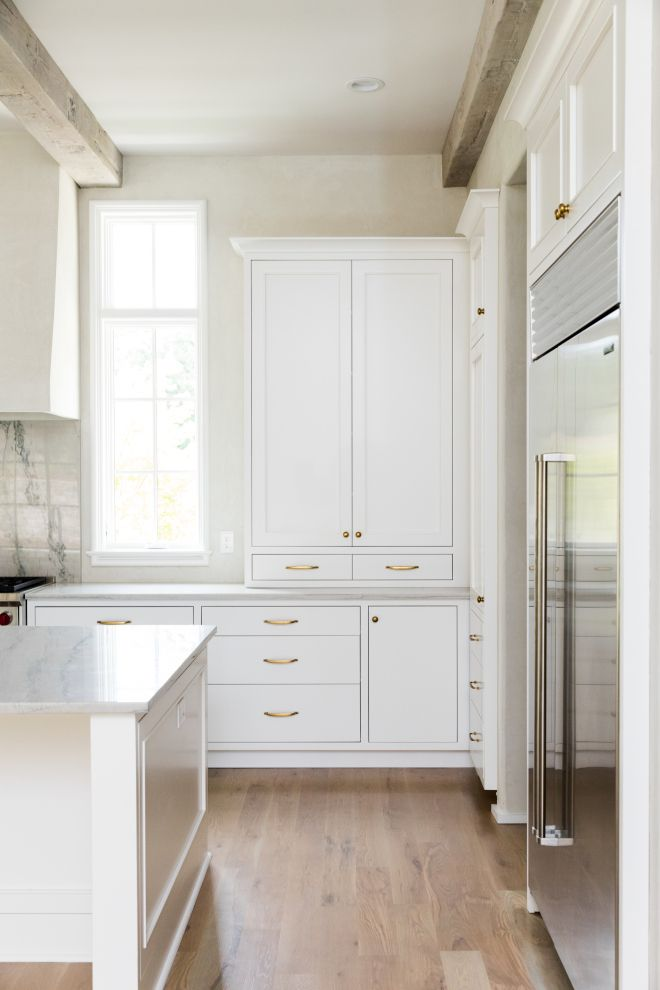 Best Sherwin Williams Sw 7004 Snowbound Off White Kitchen 400 x 300