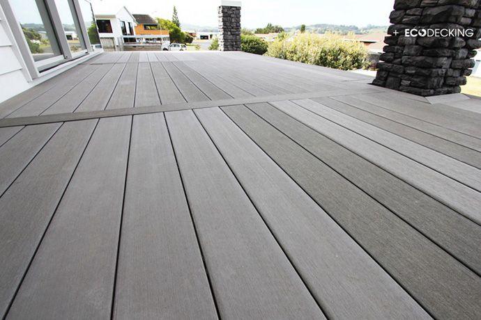 Tarima exterior color gris y acabado liso en terraza de - Suelo terraza exterior precios ...