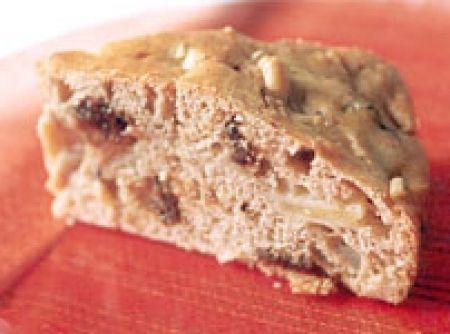 Receita de Bolo diet com ameixa e maçã - bolo do forno, fure-o com o auxílio de um garfo e regue-o com a calda reservada. Espere esfriar e...