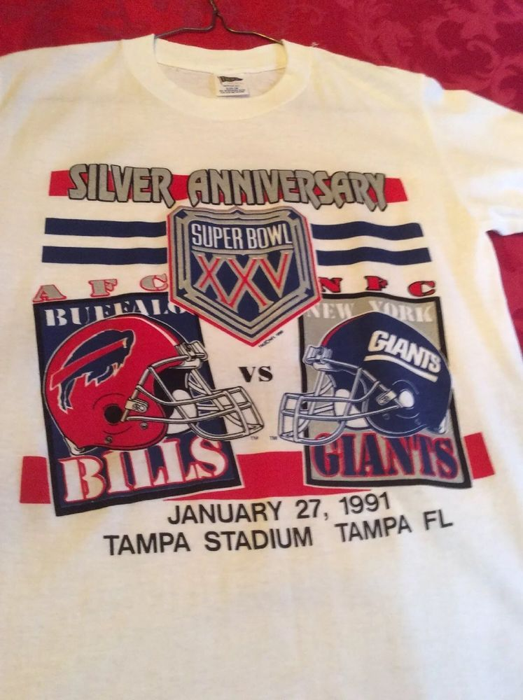 e2885c2c0 Vintage Super Bowl XXV 25 Giants vs Bills NFL Football 1991 T-Shirt Size S   Trench